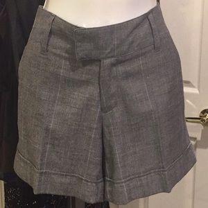 Black / plaid grey cuffed shorts